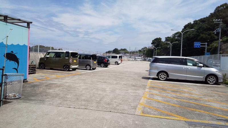 小島養魚場 駐車場
